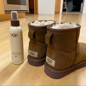 Ugg Mini Boots + Spray 6 - Excellent Condition